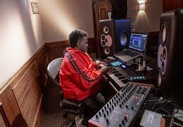"Video: Producing H.E.R. ""Hard Place"" with Rodney Jerkins"